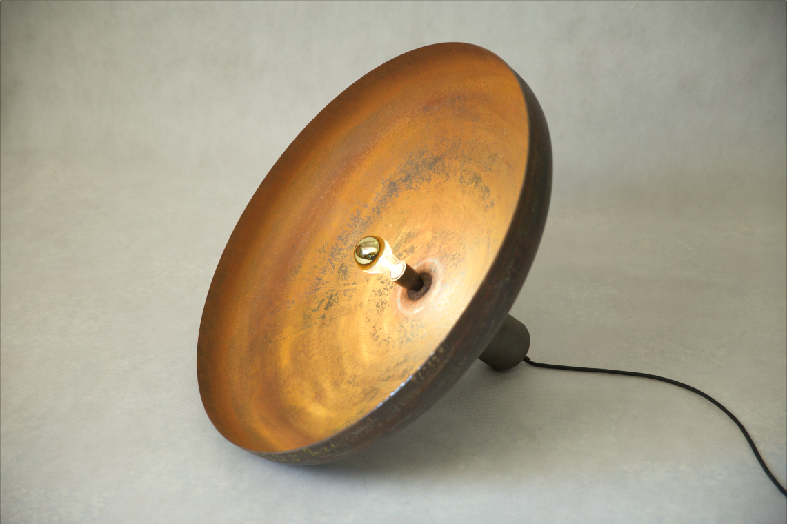 UROSEDO_MEDITATION_LIGHTING_OBJECT_WITH_DIMMABLE_LIGHT_AND_RUSTY_SURFACE